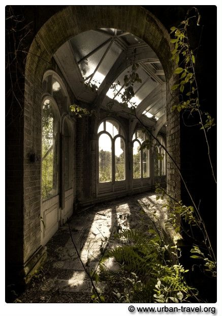 So sad to see beautiful buildings abandoned and decaying, but it's so beautiful and romantic and the kind of place you go to daydream and imagine.  Lovely