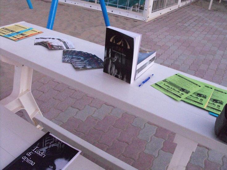 Bagno 105 - Riccione Book Festival - Presentazione TRI Lorena Laurenti e lettura Ladri di Anima http://www.riccionebookfestival.it/