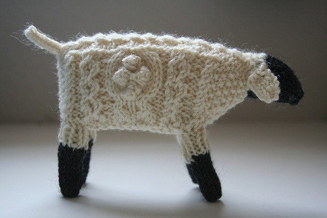 little knitted sheep- love the texture!