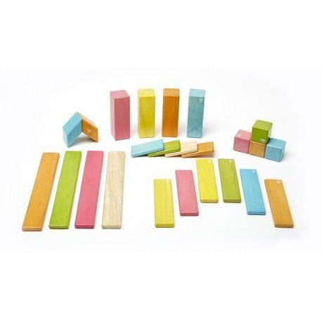 Fantastyczne drewniane klocki magnetyczne Tegu, dzięki którym dziecko może rozwijać wyobraźnię przestrzenną i zmysł twórczy. Innowacyjne klocki Tegu z certyfikatem FSC mają klasyczne kształty, zaokrąglone bezpieczne dla dziecka brzegi.