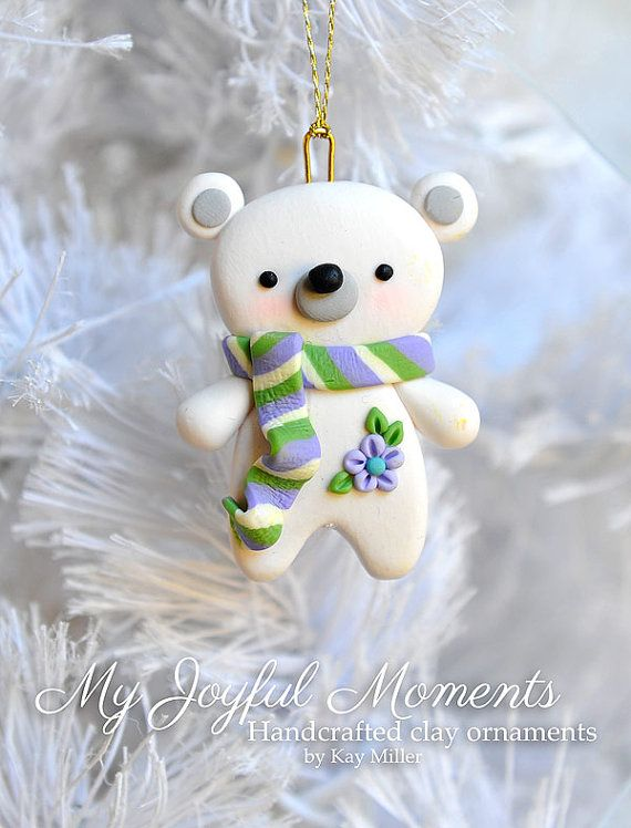 Handcrafted Polymer Clay Polar Bear Ornament par MyJoyfulMoments
