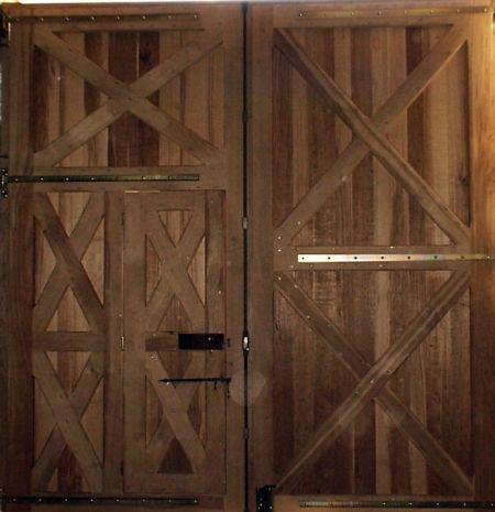 les 14 meilleures images du tableau porte de garage sur pinterest atelier portes de grange et. Black Bedroom Furniture Sets. Home Design Ideas