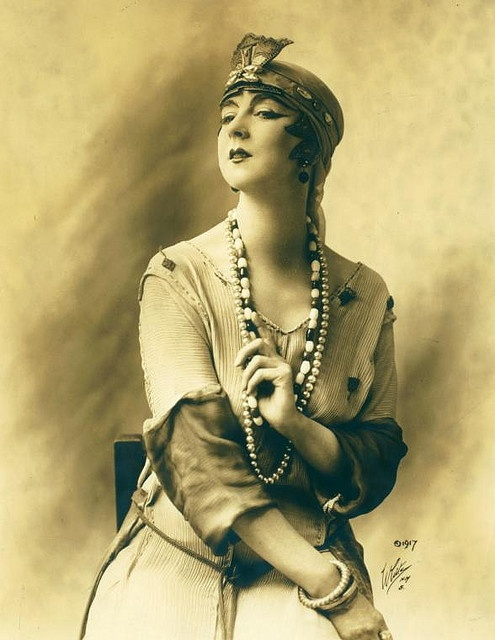 The 20'sPhotos, Vintage Woman, Costumes, Happy Birthday, Ruth St Denis, Modern Dance, Beads, Public Libraries, New York