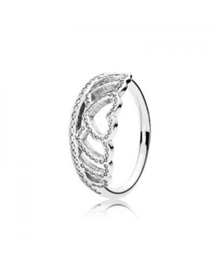 its amazing this Tiara Silver Ring ,i love it ,looks pretty ,my friends also like it.