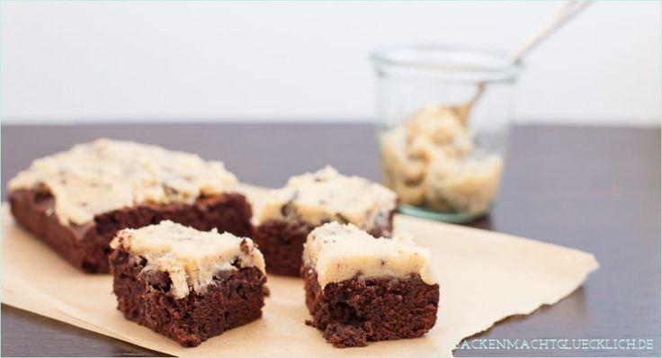 Rezept für saftige, feuchte Brownies mit einem Topping aus Chocolate Chip Cookie Dough, also rohem Keksteig.