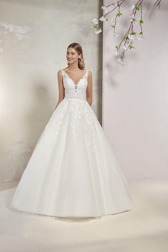 Empire du Mariage, robe de mariée coupe princesse,