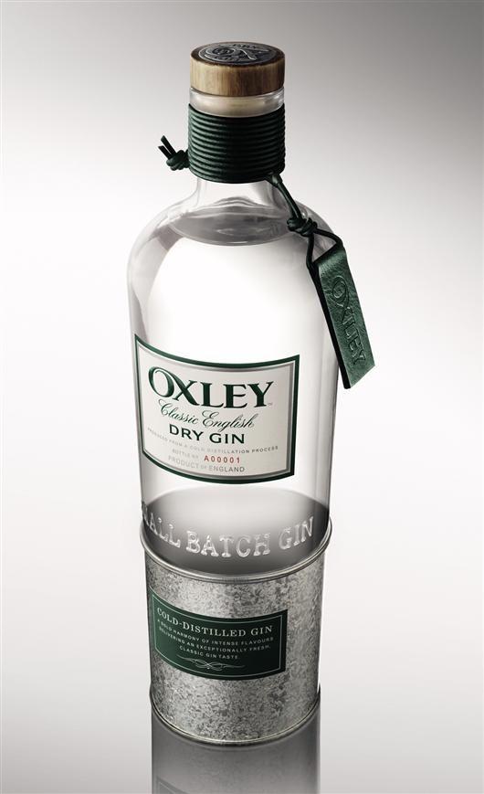 """Il gin Oxley è stato creato da Bacardi, proprietario di Oxley Spirits Company, per rispondere all'enorme crescita che sta vivendo il segmento dei gin Premium. Bacardi ha brevettato un nuovo tipo di distillazione per produrre liquori a temperature sottozero. Lo sviluppo del prodotto e tutto il processo hanno necessitato oltre otto anni. Il team che ha seguito il suo sviluppo ha potuto trovare la combinazione ideale dopo 38 tentativi. La distillazione """"fredda"""" si basa nel principio che il…"""
