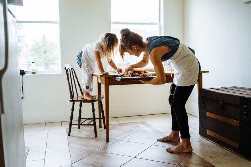 vintageborn:  with-grace-and-guts:   Melissa & Willa at home by Lauren Marek    Via Flickr: unconventional cooking methods    Goals.
