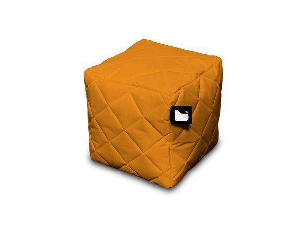 #B-Bag mulitfunctionele #kubus Deze stevige, multifunctionele vierkante kubus van B Bag kent vele gezichten: een praktisch #bijzettafeltje, een #flexibele #zitplek en daarnaast in combinatie met de zitzak van B-Bag de ultieme plek om je voetjes omhoog te leggen. De ambachtelijke stiksels van de quilted uitvoering geven de #box extra #chachet - Meer informatie over #B-Bag?http://www.wonenwonen.nl/design-meubelen/b-bag/8298