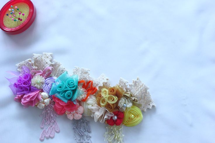 brooch | handmade | pastels | vintage | classic | retro | ermaniabyerma