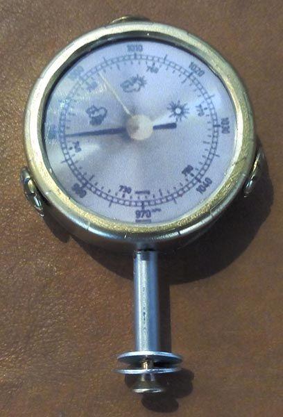 réaliser faux appareil de mesure steampunk à partir de bouchons