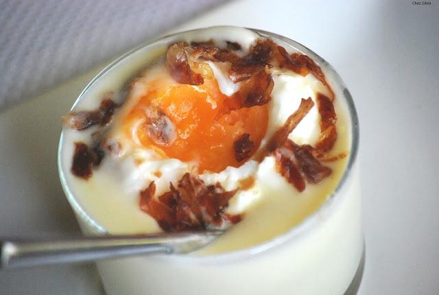 CHEZ SILVIA: Parmentier de patata y bacalao con huevo poché y crujiente de jamón ibérico