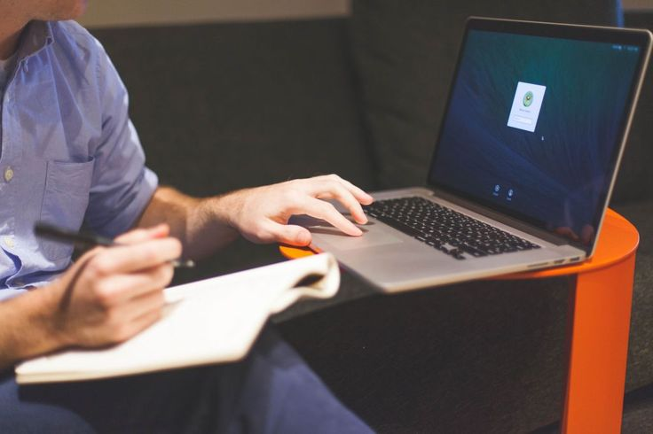 Zakładasz własny biznes i nie wiesz jak zabrać się do biznes planu? Ten artykuł jest dla ciebie W prosty i przyjazny sposób pokazujemy najważniejsze elementy