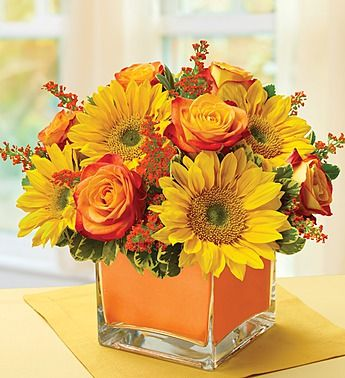 Usa Flowers Modern Enchantment For Fall Put Them Under Your Spell With This Truly Original Arrangement Of Unique Bi Color Yellow Roses And Brilliant