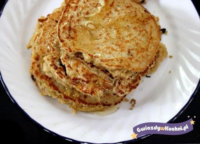 The recipe for oatmeal pancakes with honey oatmeal pancakes with honey is a delicious alternative to the morning porridge, the texture is not well liked by all. Oatmeal in the form of patches are virtually undetectable, but more filling than the plain flour tortillas. Moreover, this breakfast is healthier and nutritious than classic sandwiches. I would recommend! #cooking #fit #dessert #breakfast #cakes #honey #pride #oatmeal