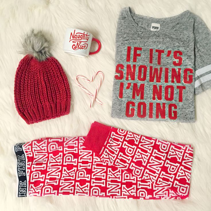 A cozy night around the fire in this cheeky holiday @vspink loungewear sounds like the perfect reason to stay-in. #PINKmas