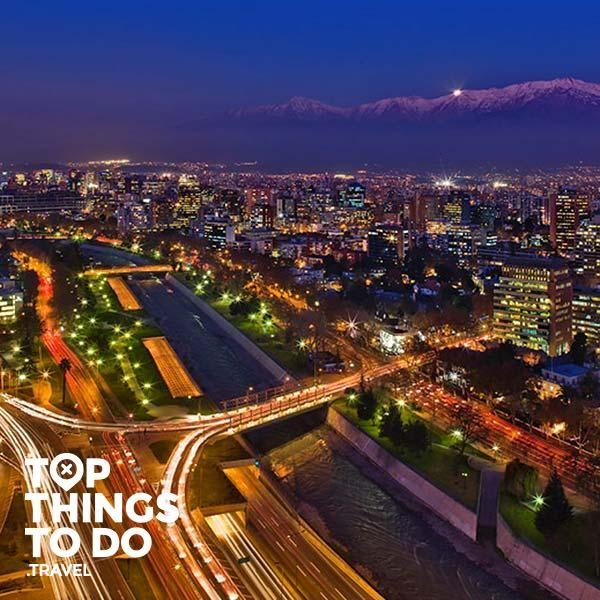 Santiago - Lo mejore para hacer en la capital de Chile lo puedes encontrar acá. Santiago tiene muchas actividades, desde la nieve de la cordillera hasta museos.