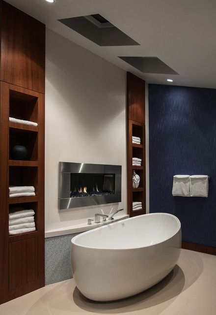 19 Astonishing & Cozy Bathrooms Design Ideas With Fireplace I really wish that my bathroom was large enough to do this!