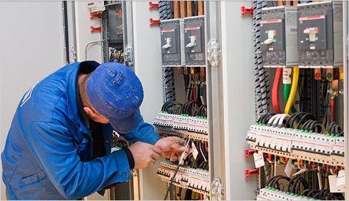 Частный электрик - все виды электромонтажных работ  Муравленко  Выполнение всех видов электромонтажа. Штробление стен, замена электропроводки, установка и перенос розеток, распределительной коробки. Подключение и ремонт люстр и других светильников, подключение электроплит. Электромонтажные и ремонтные работы производятся частным квалифицированным специалистом электриком в г. Муравленко.