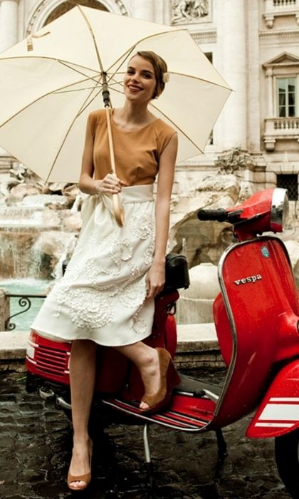Chic in Rome.: Romans Holidays, Vintage Styles, Summer Picnics, Shabby Apples, Trevi Fountains, Spanish Step, Cream Flower, Cute Outfit, Wasps