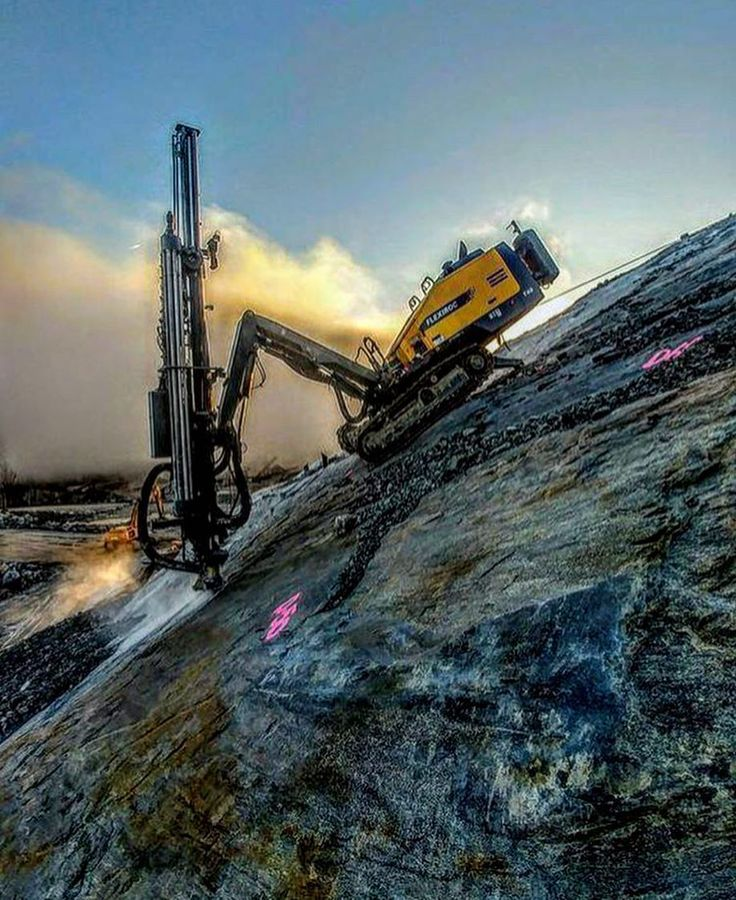 REPOSTED from @atlascopcosurface  #Construction #constructionworker #constructionsite #weldporn #welder #welding #maga #build #makeamericagreatagain #america #ironworker #union #unionpride #electrician #carpentry #carpenter #crane #equipmentoperator #plumber #pipefitter #mason #masonry #apprentice #journeyman #f4f #photooftheday
