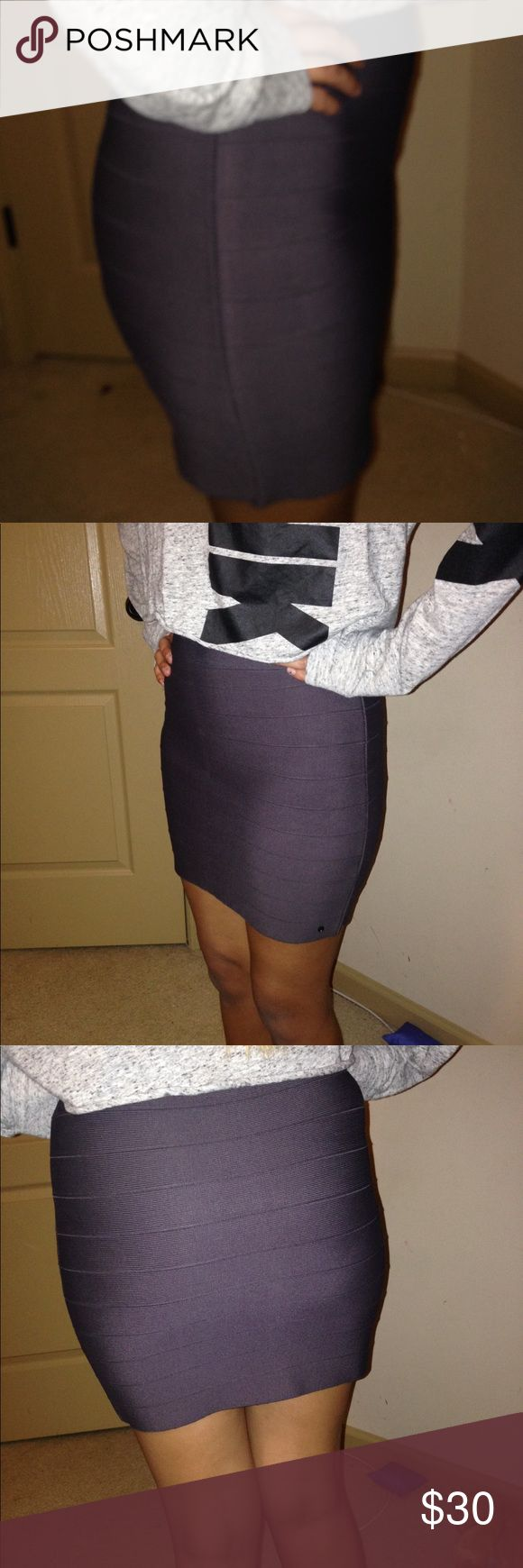 Guess bandage skirt Guess bandage skirt use but great condition! Looks new! It's been folded for long time barely used! Guess Skirts Mini