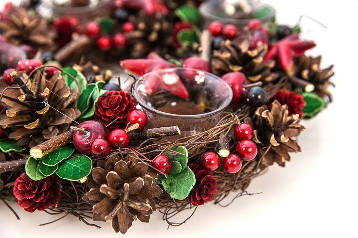 http://nobilacasa.ro/decoratiuni-sezonale-8/coronite-de-craciun-327/coronita-advent-wreath-5842