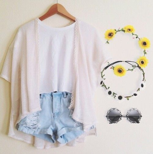 fresh outfit~~ #Perfect http://www.romwe.com/romwe-tassels-floral-print-loose-kimono-p-86300.html?Pinterest=quadrofeminino