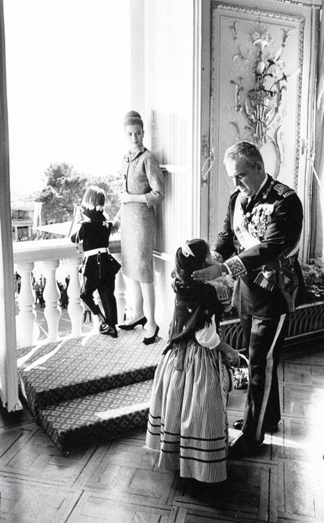 grace&family:  Annual Monaco National Day celebrations on November 19, 1962-Prince Albert, Princess Grace, Princess Caroline, Prince Rainier.
