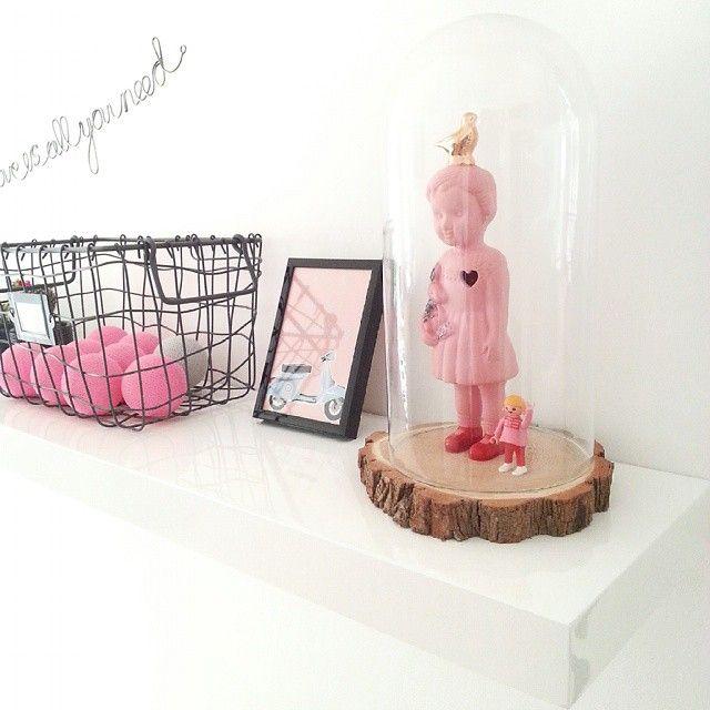 Porcelain Clonette doll by Lammers en Lammers. #clonetteinacloche