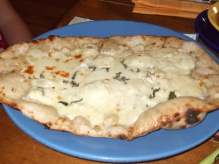 Four Cheese Flatbread (Disney World) / Spoodles in Boardwalk ResortFlatbread Pizza, Recipe Servings, Boardwalk Resorts, Food Recipe, Flatbread Recipe, Cheese Flatbread, Disney Recipes, Disney Food, Disney Worlds