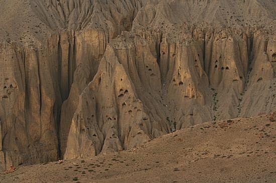 1.1279078372.himalayan-caves-closeup.jpg (550×366)