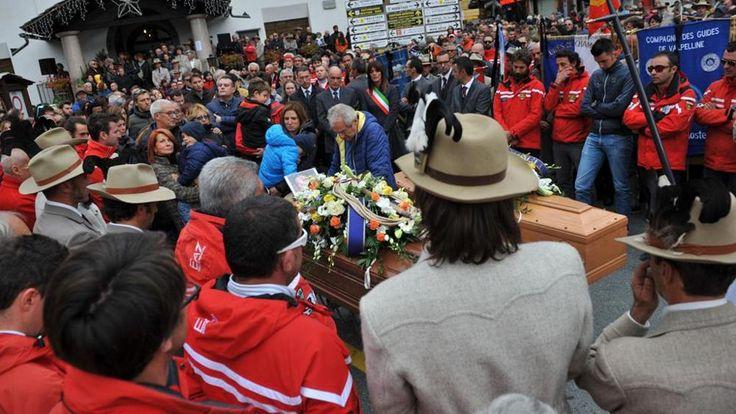 Tutta la Valle d'Aosta per l'addio ai due alpinisti Montagna in lutto ai funerali di Ottavio e Deanoz - La Stampa