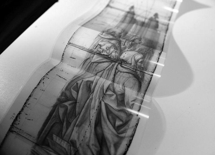 """drawing in kerat art ateliers flanders belgium. Kom een blik werpen achter de schermen van het restauratieatelier """"Kerat"""" van kunstexpert Frederik Cnockaert. Frederik was acht jaar voltijds conservator restaurator bij de Brugse musea, en vestigde zich in 2002 als zelfstandig restaurateur. Kunstwerken staan bloot aan licht-, temperatuur- en vochtigheidsschommelingen. Ze zijn onderhevig aan veroudering, ongevallen en verwaarlozing, of ze krijgen last van houtworm. Een regelmatig onderzoek"""