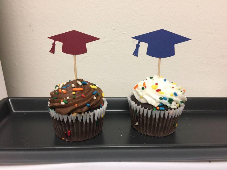 Un favorito personal de mi tienda de Etsy https://www.etsy.com/es/listing/515406850/toppers-de-cupcake-de-graduacion-fiesta