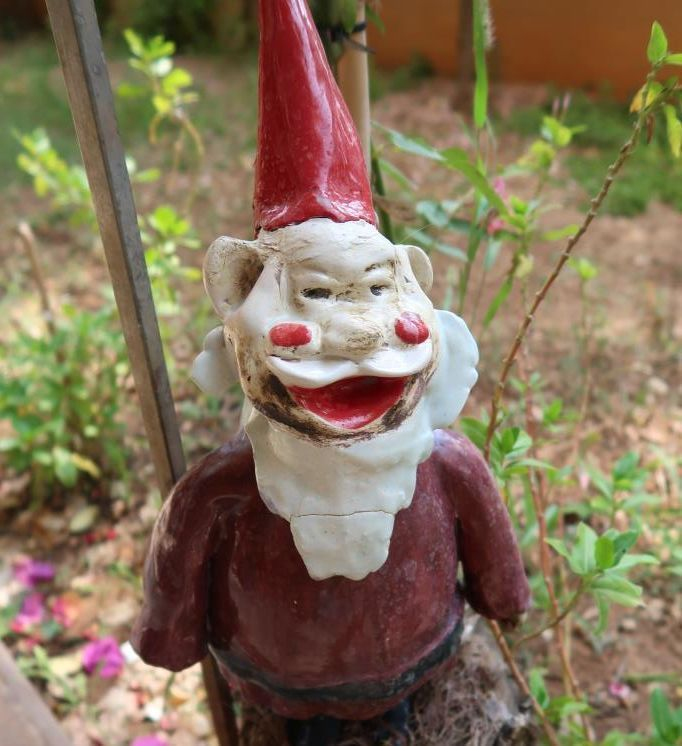 In a local garden exists this gnome. I wouldn't like to run into it in an alleyway at night. #antalya #turkey
