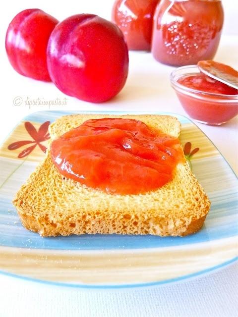 Confettura di prugne rosse senza zucchero