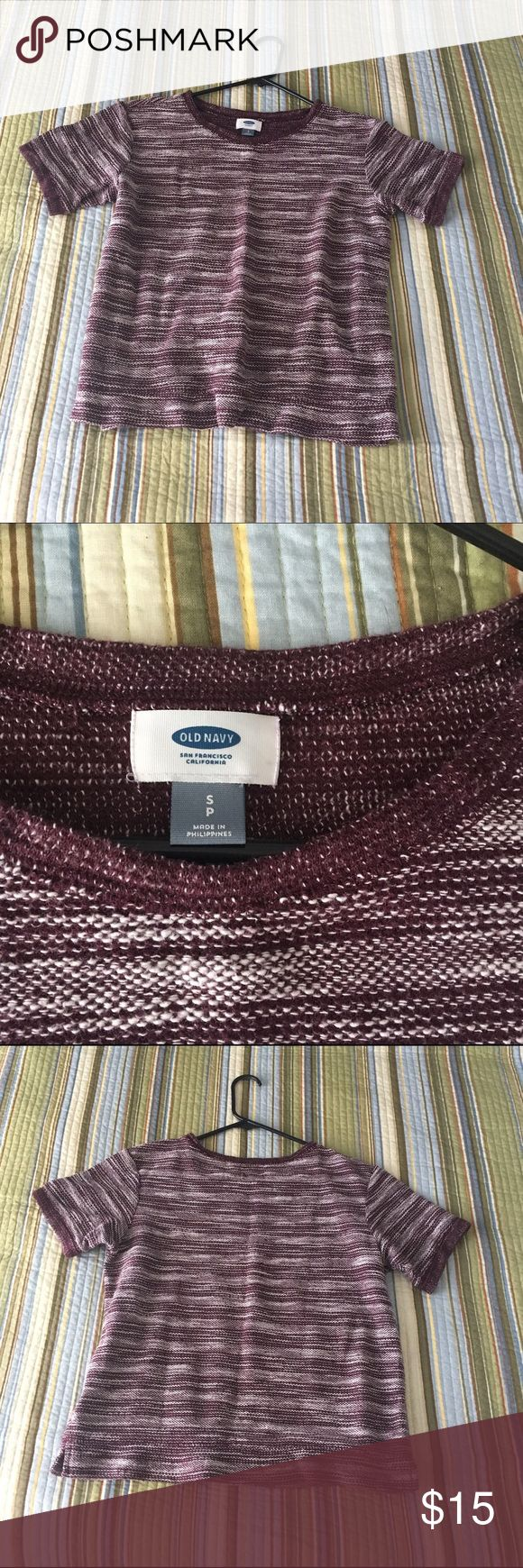 Cute & Cozy Old Navy Short Sleeve Sweater Fashionable berry color | Slouchy fit | Perfect for transition from Fall to Winter | Size S | No piling Old Navy Tops Tees - Short Sleeve