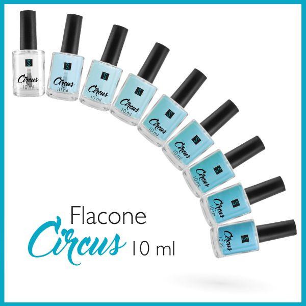 Il Flacone per smalto Circus 10 ml in vetro trasparente con la a Capsula Circus nero matt e pennello Big Brush è perfetto da portare sempre con te!
