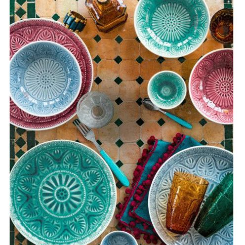 Brighten up your home with this colourful cookware collection which includes bowls, plates and glassware.