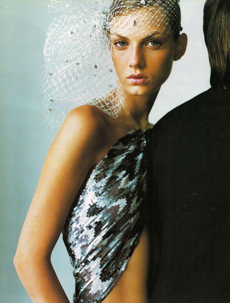 Black Gold | Angela Lindvall | Mario Testino #photography | Vogue UK December 2000: Mario Testino, Angela Lindvall, Editorial, December 2000, Vogue Uk, Posts, Black Gold, Fashion Photography, Uk December
