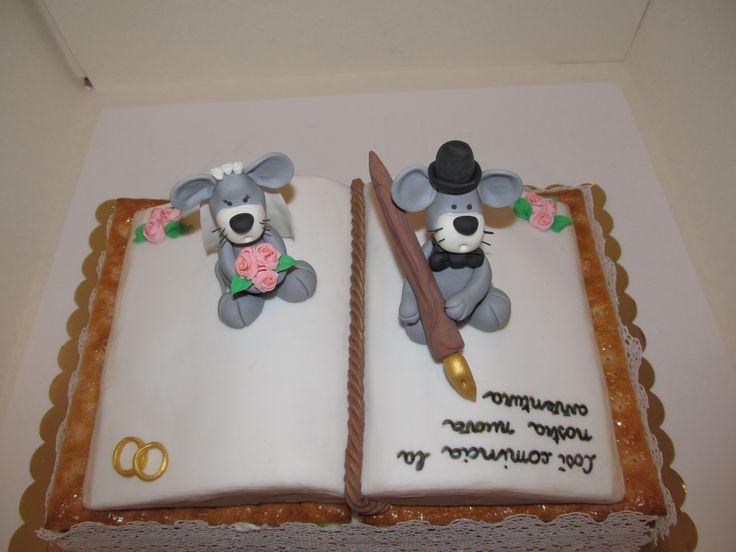 #Cake design: #torta per un #matrimonio #Novelli #sposi come #topini in #pastadizucchero. #Pizzo in #pastadizucchero e #millefoglie con #crema al #mascarpone