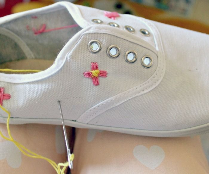 Embroidered Flowers | Canvas Shoes | Pinterest | Flower shoes, DIY and ...