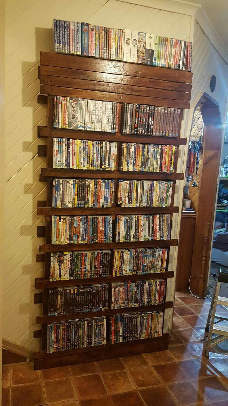 Pallet DVD shelf
