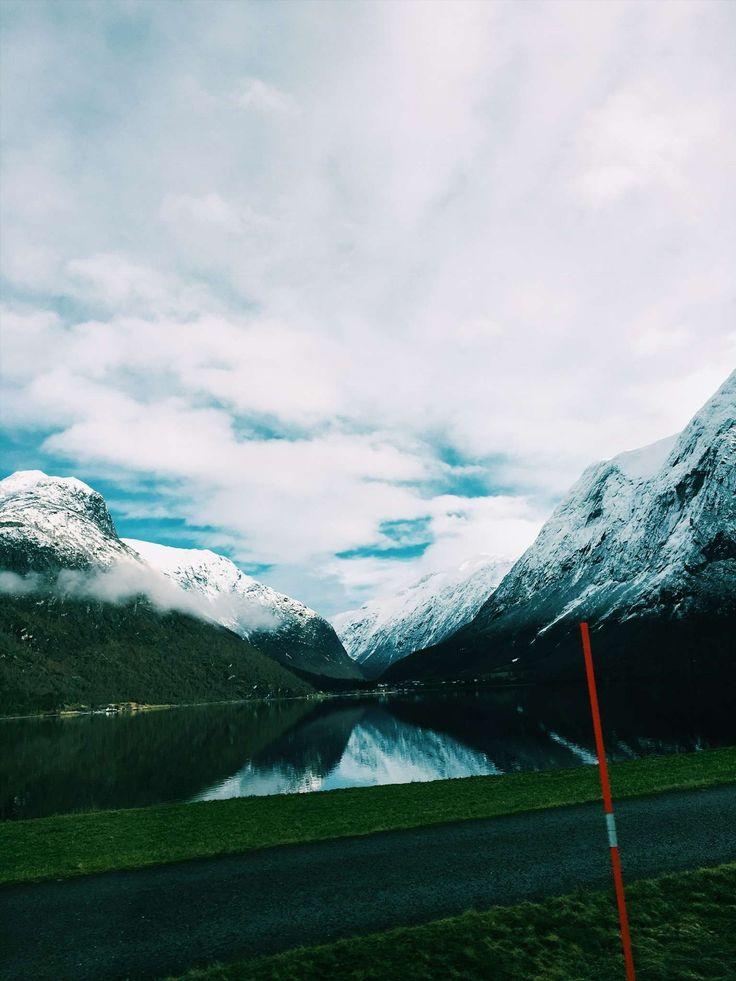 Road trippin in Norway! #Stryn http://www.helarskroppen.no/2017/02/roadtrippin/