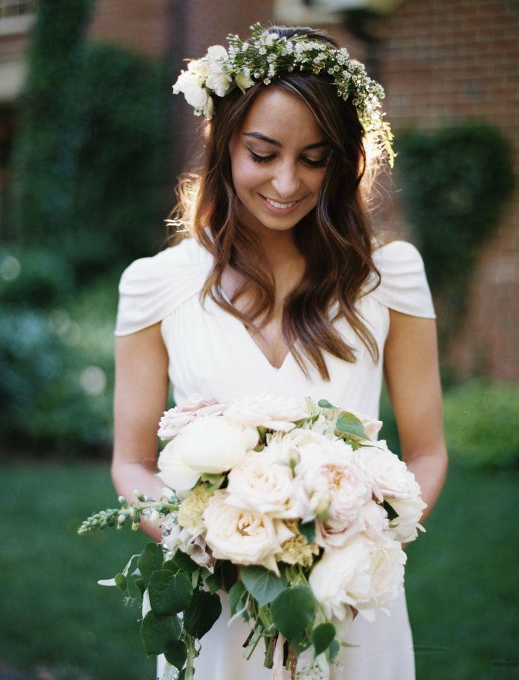 Modest wedding dress from Alta Moda.  Photo: Leo Patrone