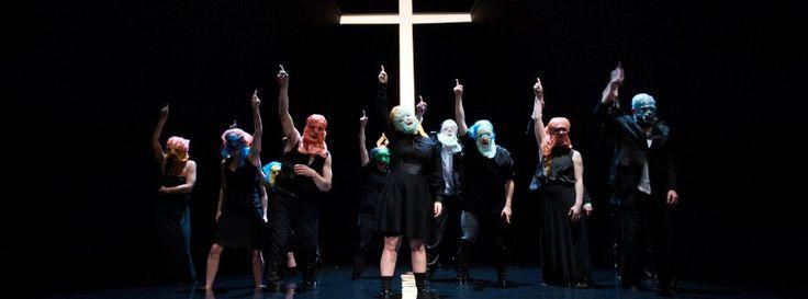 "Jelinek-Premiere am Burgtheater: ""Bitte helfen Sie uns!"""