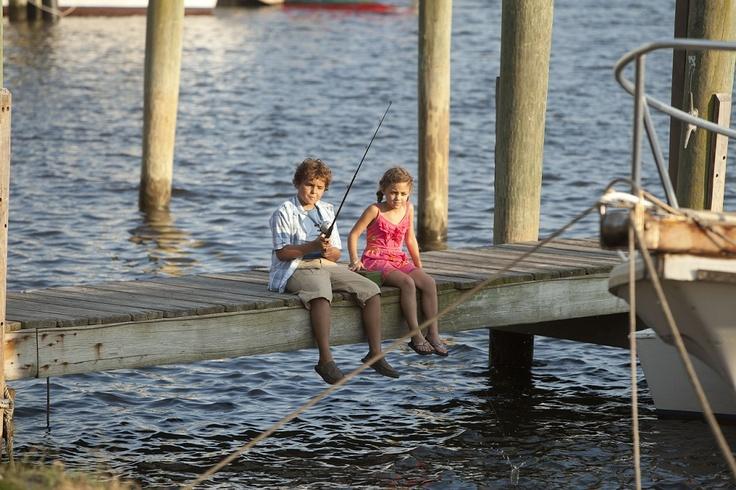 Noah Lomax y Mimi Kirkland | Safe Haven