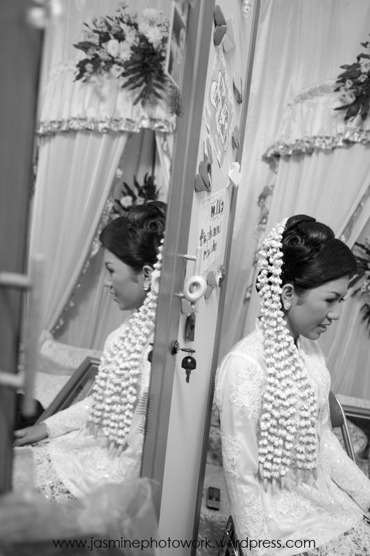 #fotocandid #fotopernikahan #weddingphotography unik by #jasminephotowork | Info: +6287839024507 / +6287860019495 / BBM 747274E1 | #email : jasminephotowork@gmail.com | #indonesiaweddingphotography #indonesiaweddingphotographer #weddingphotographerjogja #baliweddingphotographer #fotograferpernikahanjakarta #weddingphotos #fotowedding #weddingcandidphotography