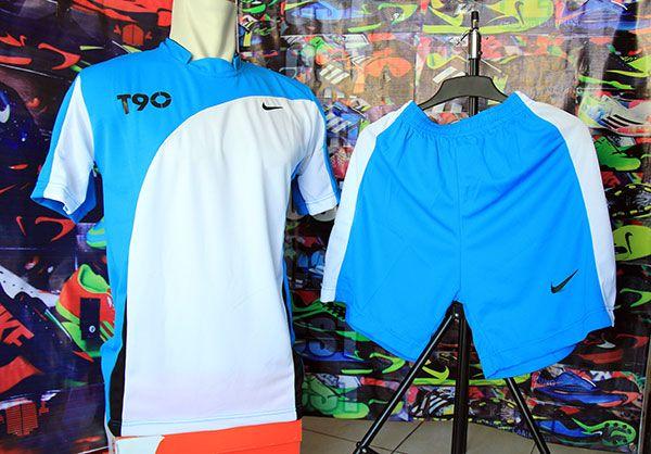 Setelan Kaos Nike T90 Putih Birumuda Rp 80.000